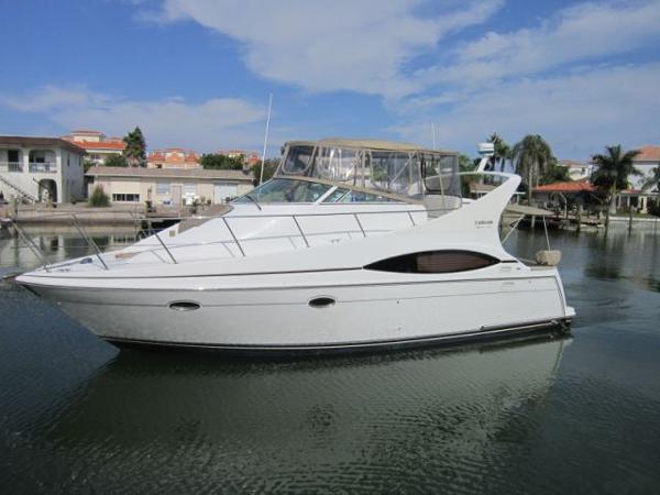 sold-2001 35 u0026 39  carver yachts 350 mariner