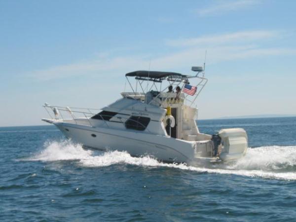 Silverton 351 Sedan Cruiser Brewer Spring Boat Show CT Flybridge