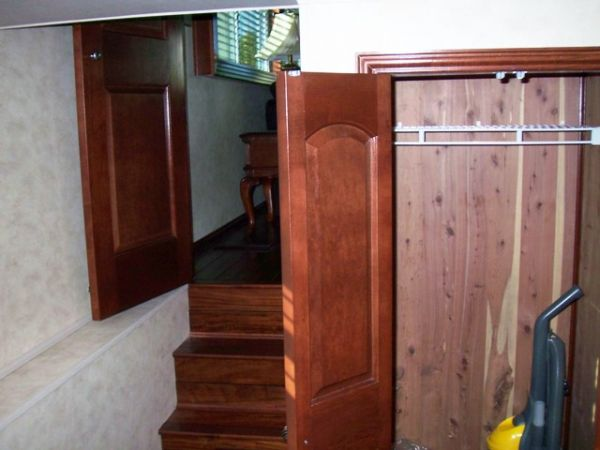 Guest SR Closet And Entrance