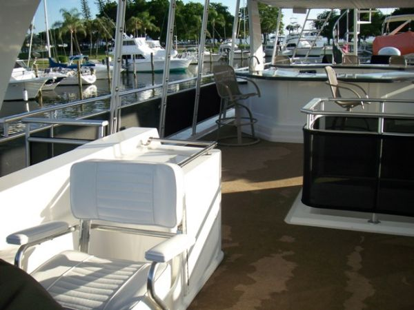 Flybridge Helm Seat Area