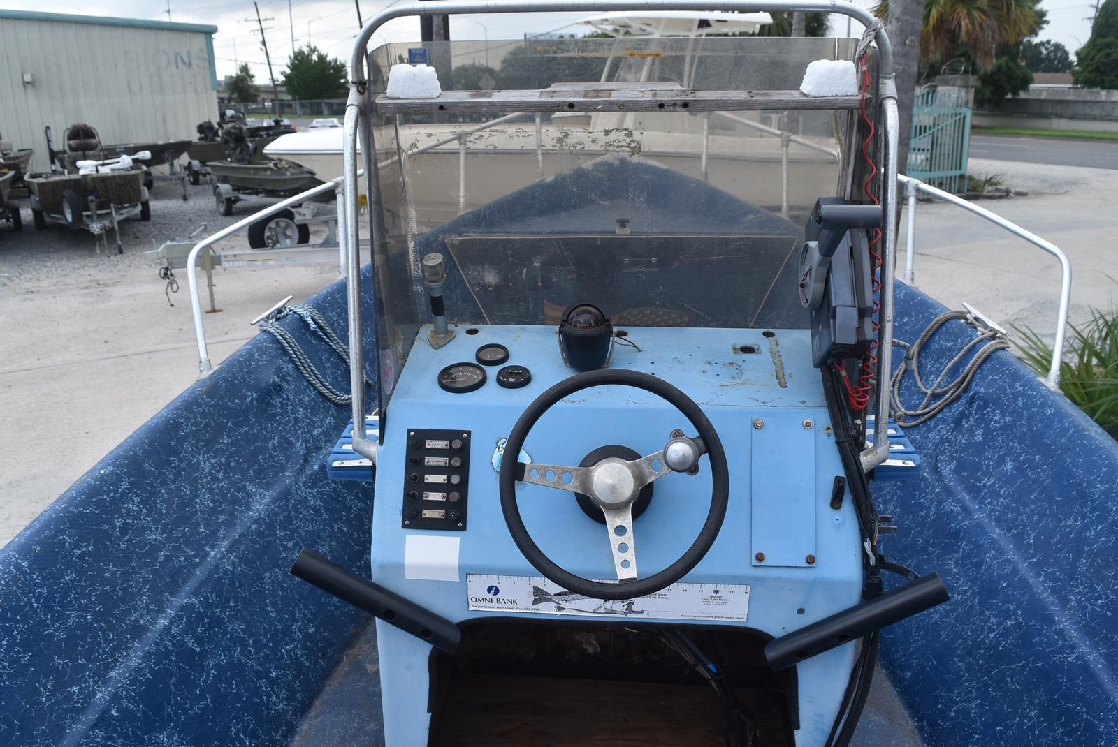 1983 Lavro boat for sale, model of the boat is 20-D & Image # 16 of 17
