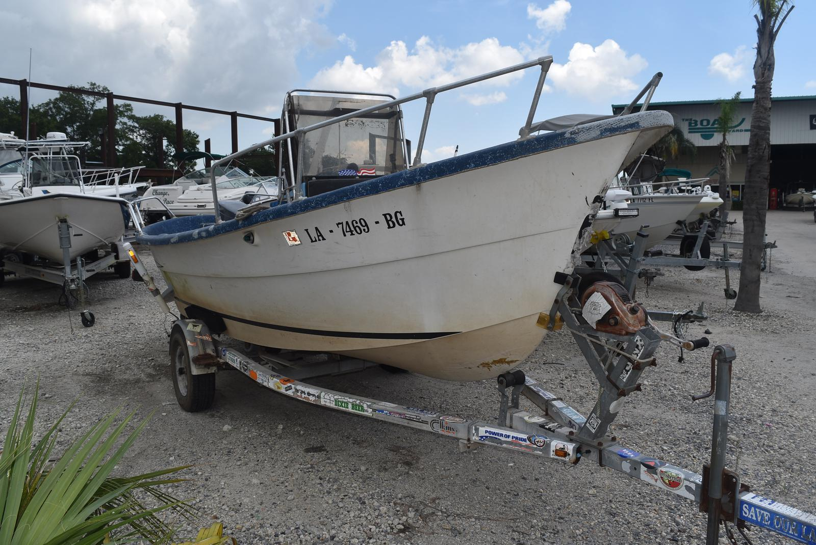 1983 Lavro boat for sale, model of the boat is 20-D & Image # 2 of 17
