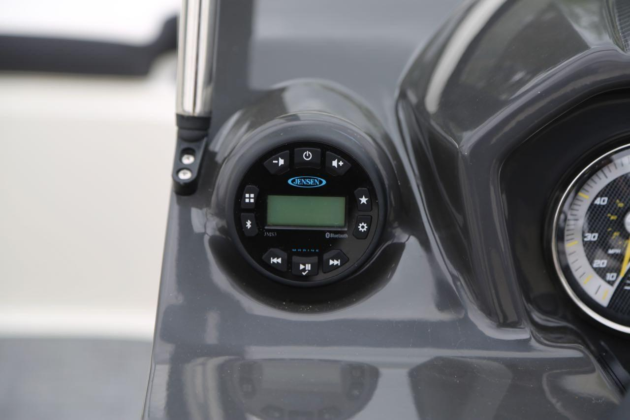 2020 Bayliner VR5 Bowrider I/O