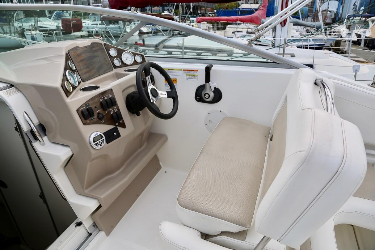2013 Bayliner 255 Cruiser