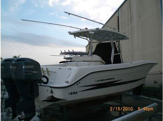 33' Hydra-Sports Vector 3300 CC