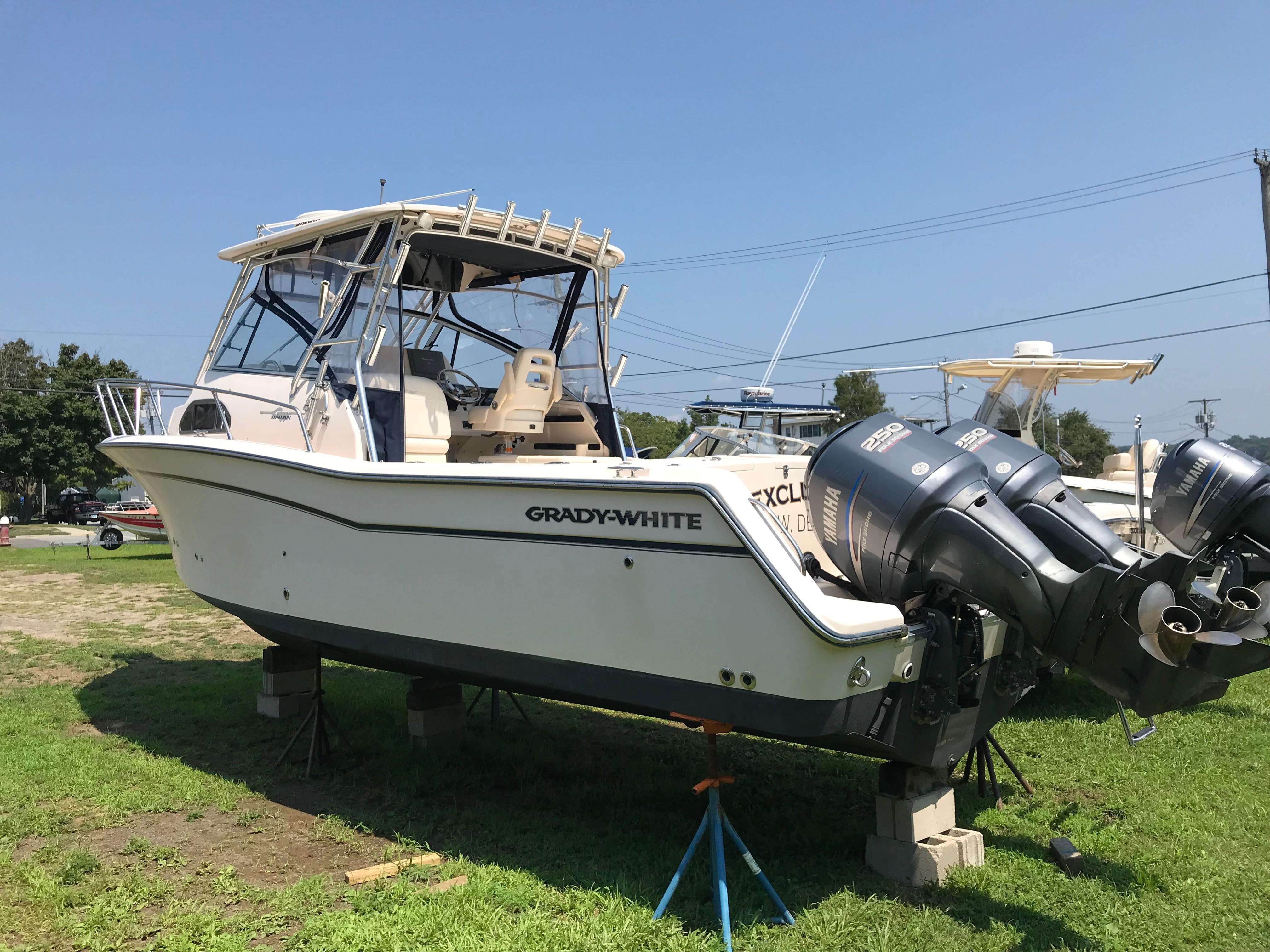Grady-White300 Marlin