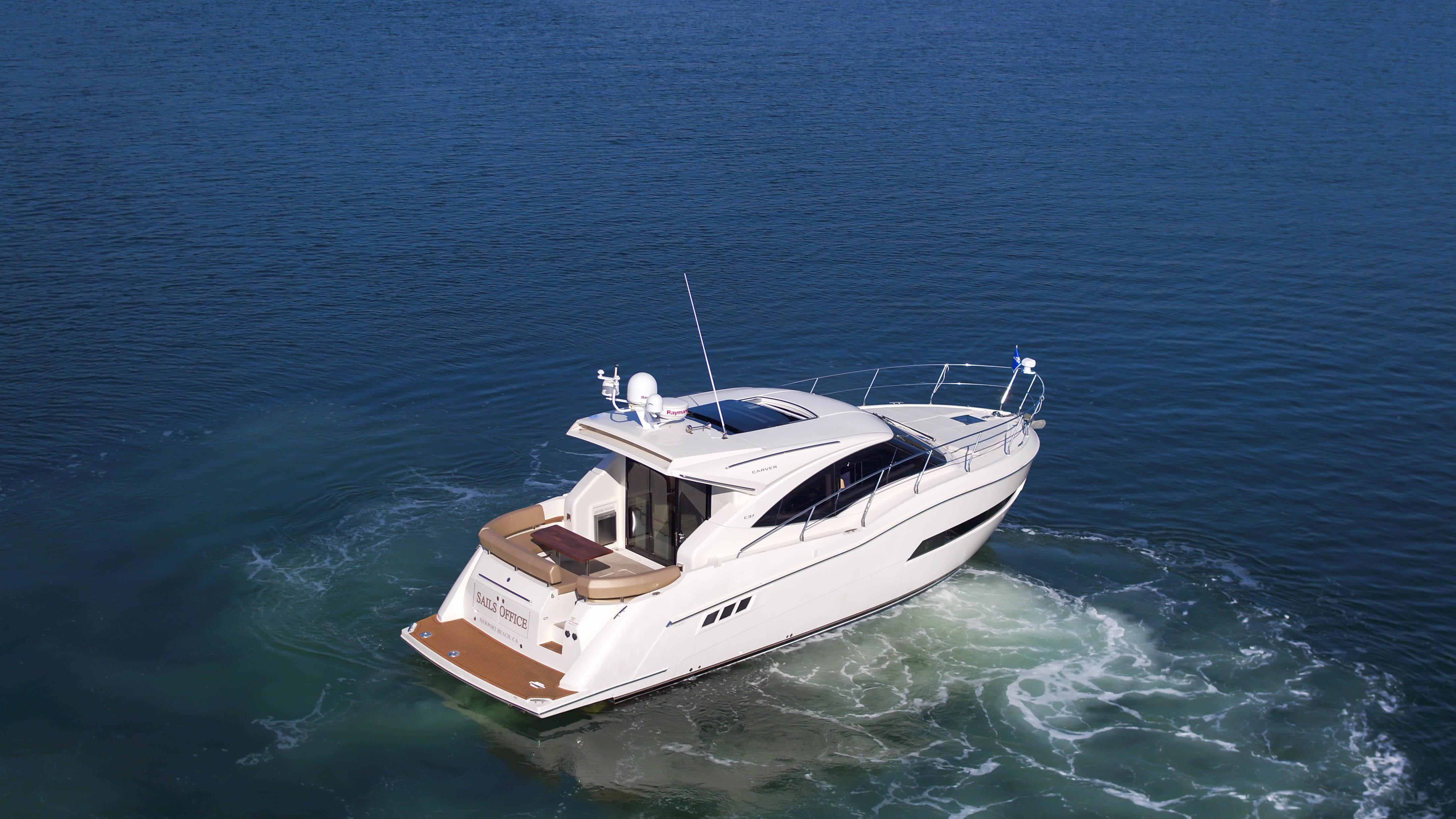 37 Carver Sails Office 2016 Newport Beach   Denison Yacht Sales