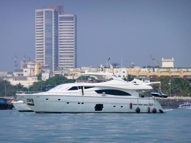 Ferretti Yachts 881 Hard top