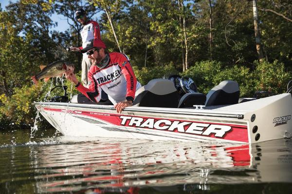 2018 Tracker Boats boat for sale, model of the boat is Pro Team 195 TXW 40th Anniversary Edition & Image # 10 of 14