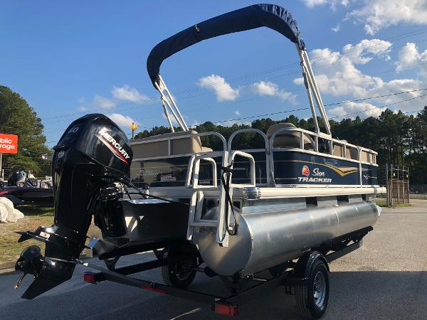 2021 Sun Tracker boat for sale, model of the boat is Party Barge 18 DLX & Image # 3 of 23
