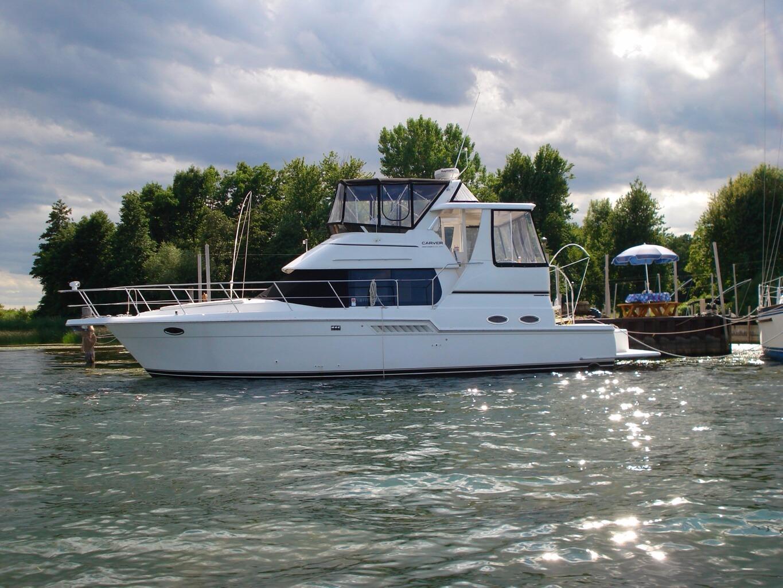 404 Cockpit Motor Yacht