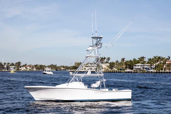 2001 35' GlassTech Custom Walk around Sportfish