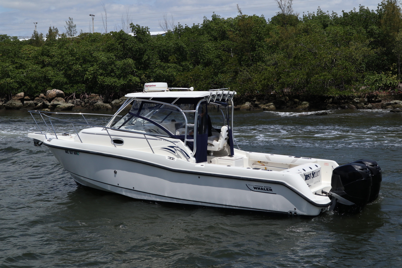 2006 Boston Whaler 28' Express Cruiser