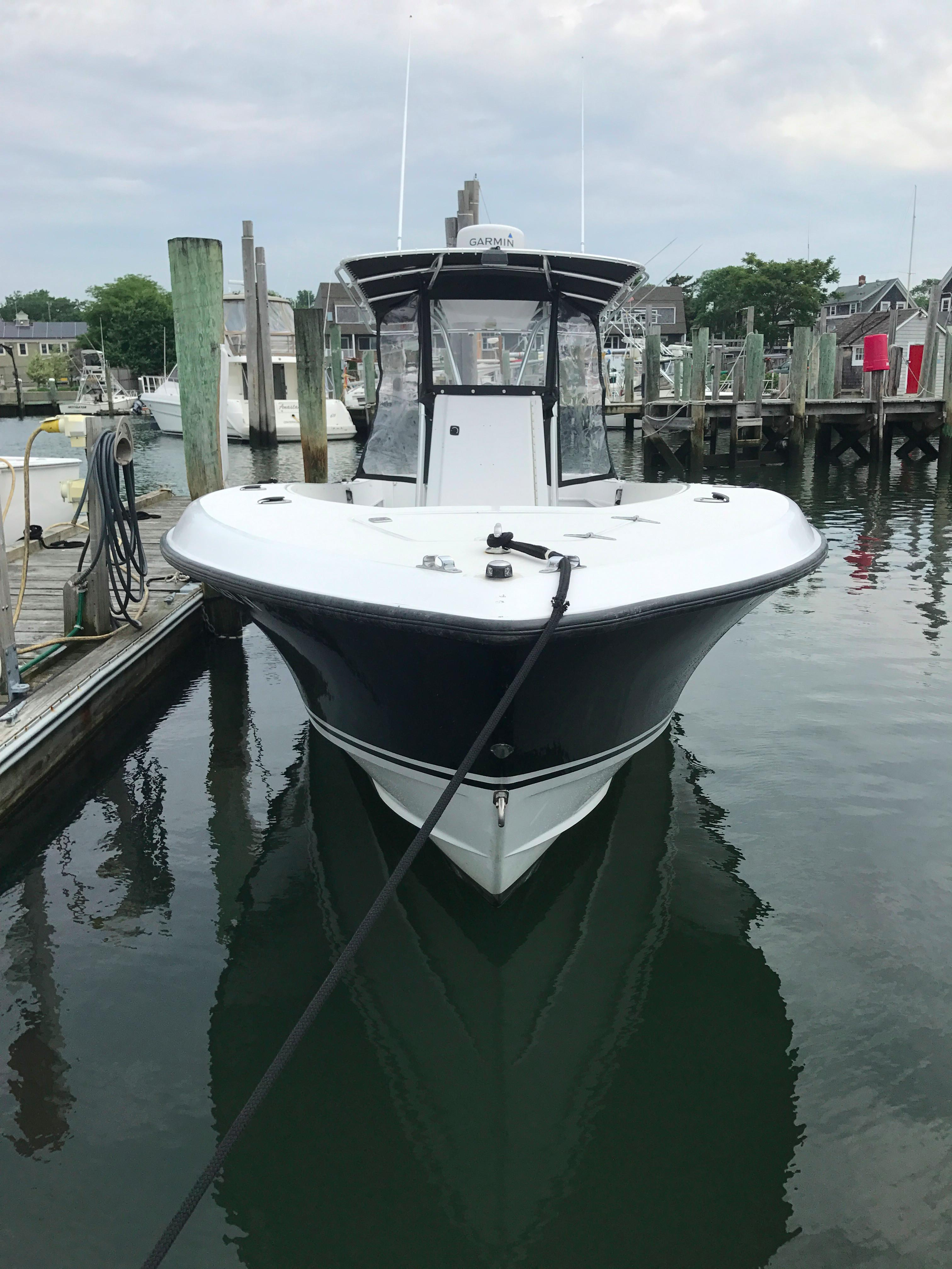Contender 31 Center Console