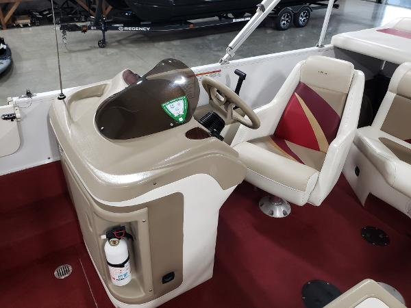 1999 Princecraft boat for sale, model of the boat is Vacanza 240 io & Image # 16 of 34