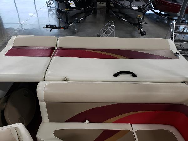 1999 Princecraft boat for sale, model of the boat is Vacanza 240 io & Image # 18 of 34