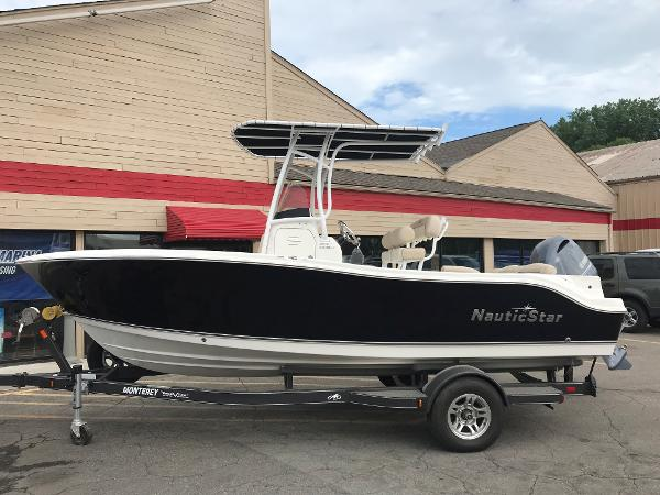 2018 NAUTIC STAR 2102 LEGACY for sale