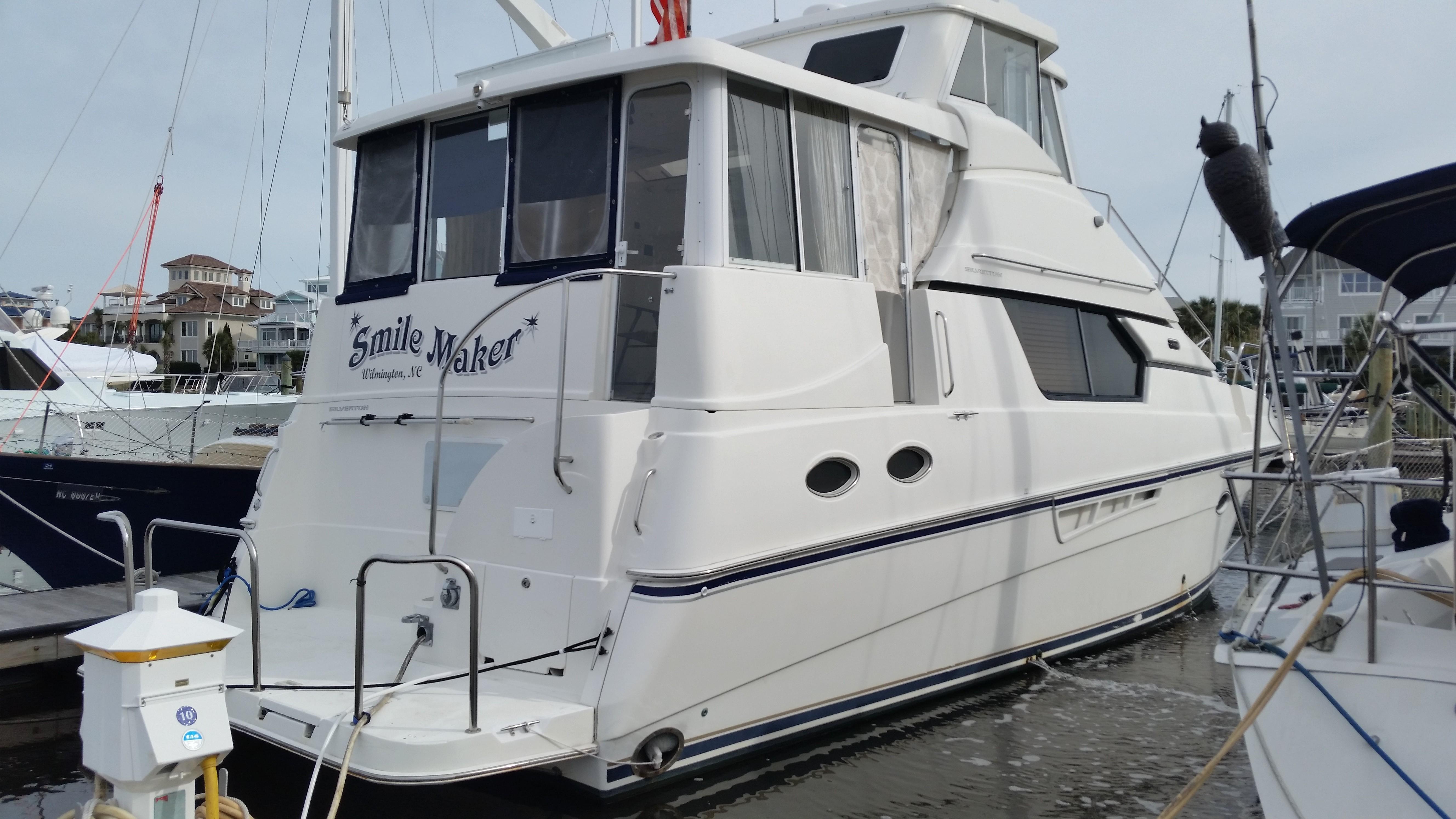 45 Silverton Smile Maker 2000 Wilmington | Denison Yacht Sales