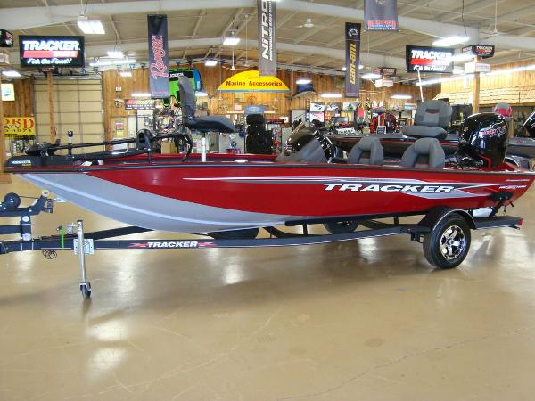 2021 Tracker Boats boat for sale, model of the boat is Pro Team™ 190 TX Tournament Ed. & Image # 1 of 16